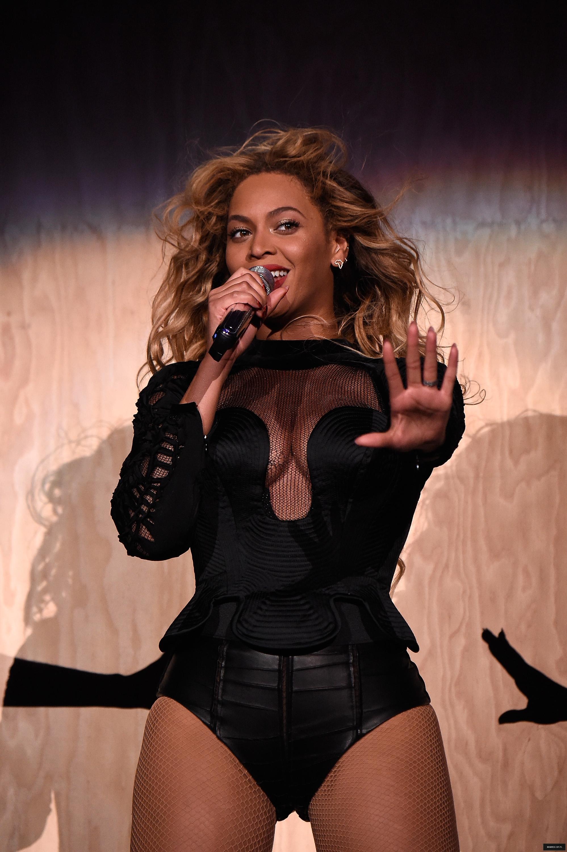 Pin by Raúl Martinez on Beyoncé   Beyonce outfits, Beyonce