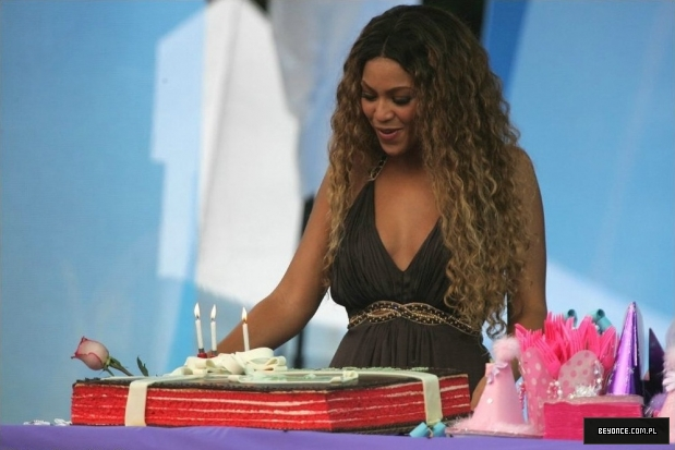 Ellen degeneres show new york city 28 08 2006ellen 5 beyonce photo gallery - Ellen show new york ...
