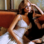 Beyoncé projektuje śpioszki by wesprzeć Obamę